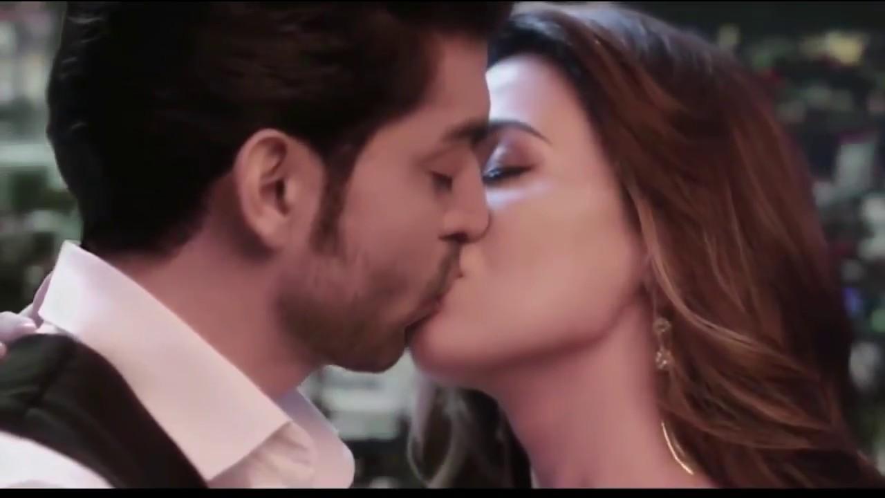 Bollywood Hot Kissing Scene Lip Lock Kiss Whatsapp Status Video Awesome Romantic Love