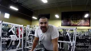 видео Гибридное упражнение: гиперэкстензия + махи в стороны