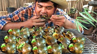 Yummy !Grilled Snails bbq for food   Cooking snail bbq with ...