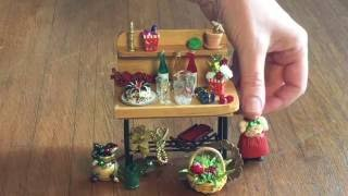 Happy Holidays from the Miniature Garden with TwoGreenThumbs.com! We are Your Favorite Miniature Garden Center, providing true miniature trees, shrubs ...