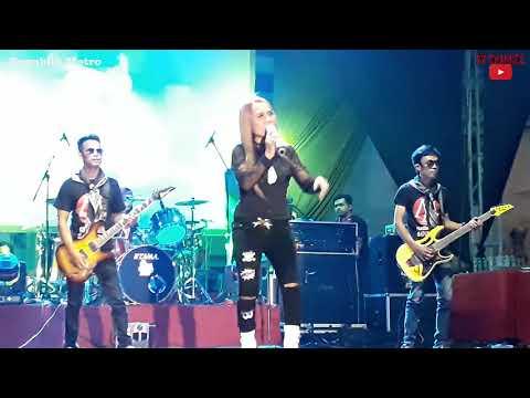 Download Lagu eny sagita kumpul kebo - live gor stadion wilis mp3