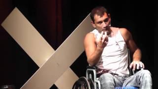 Si tocaste fondo, no sigas escarbando | Santiago Gutierrez | TEDxVillaAllende