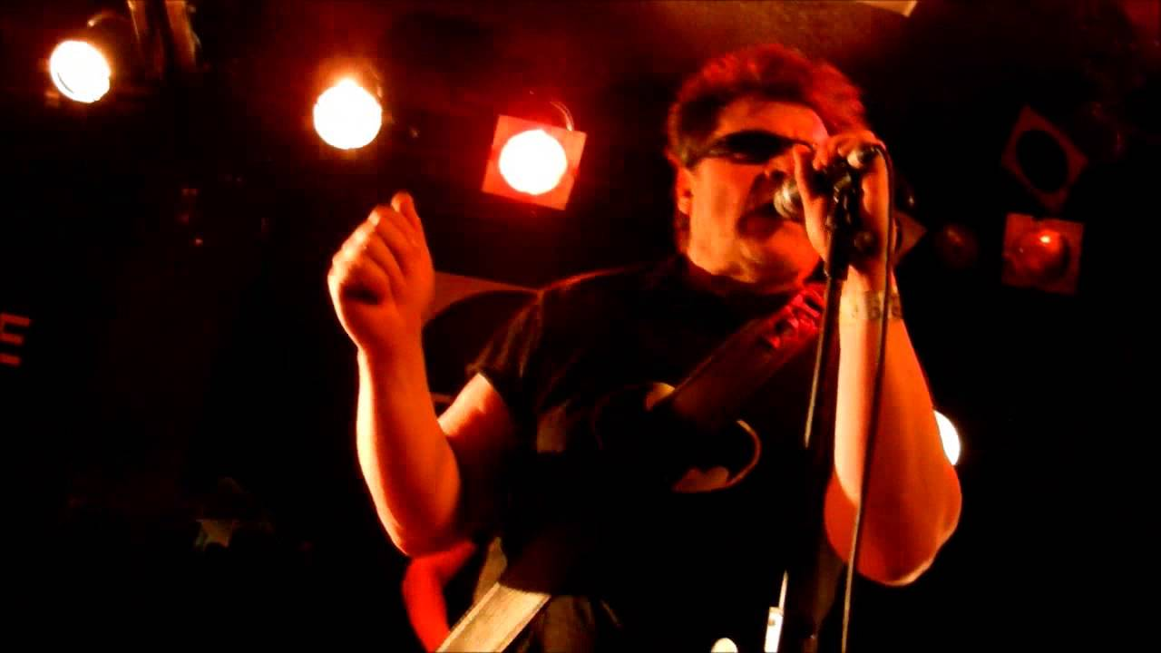 the-rezillos-my-baby-does-good-sculptures-live-at-the-square-harlow-essex-29-03-14-straighttoyourhea