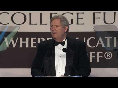 Tom Vilsack Accepts International Humanitarian Award