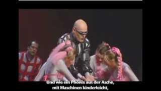Jour de Gloire, Auszug aus dem 3. Akt, vor der Kirche, (mit deutschen Untertiteln)