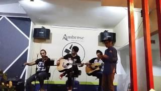 D 39 Masiv Aku Percaya Kamu cover by Prasetia Dinata at Ambrose Cafe Purwokerto