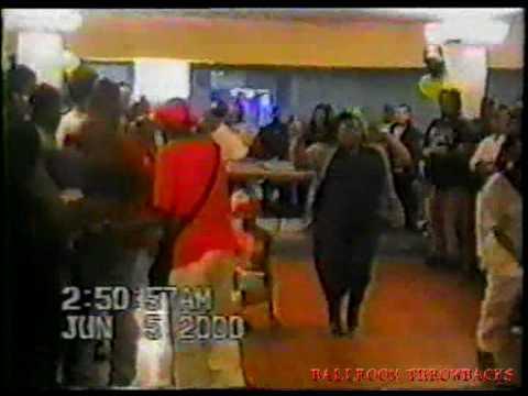 FEM QUEEN PERFORMANCE ICONS ASHLEY VS SANDY 2000
