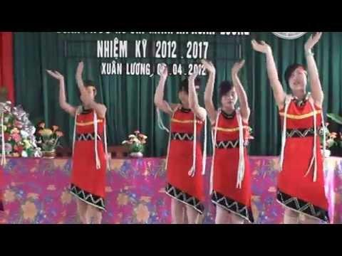 Múa Chiều lên bản thượng - Trường Xuân Lương - Yên Thế biêu diễn