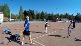 Pesäpallo: Lukkarihippa. Lukkarin syötön harjoittelua.