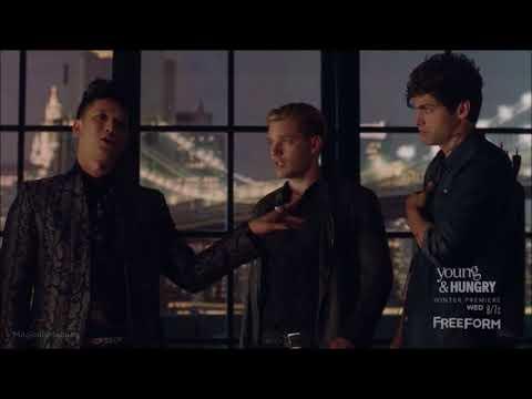 Shadowhunters 1x04 | Magnus Flirting With Alec