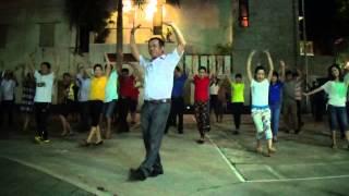 Dân vũ CHÚ CHIM ALOUETTE