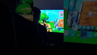 Nooby Fortnite Player Gets His First Solo Win