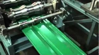Станок для изготовления металлосайдинга(Работа профилировочного станка Мобипроф СО для производства металлического сайдинга Подробности можно..., 2010-12-13T20:32:32.000Z)