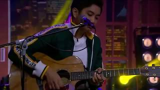 MALIQ & D'ESSENTIALS - SENJA TEDUH PELITA (PERFORM AT TONIGHT SHOW)