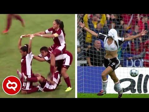 Bikin Penonton Gagal Fokus! Begini Selebrasi Pesepak Bola Putri Saat Merayakan GOL!