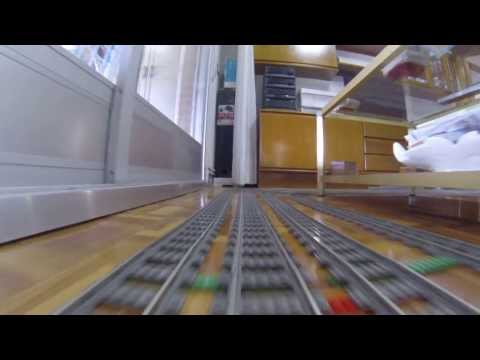 LEGO TRAIN DESDE LAS VIAS. CRS 9V ON BOARD GO PRO ,NO CRASH