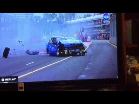 Fabian Coulthard crash at the Gold Coast 2016