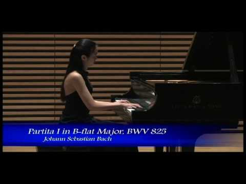 Ling-Ju Lai plays Praeludium