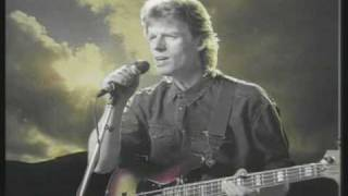 Runrig - Skye (Live At The Barrowland Ballroom, Glasgow)