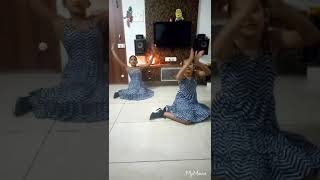 ANANYA AND RAASHI DANCING ON ZINGAAT SONG