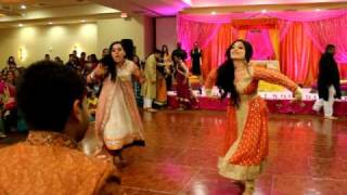 THE BEST PITHI DANCE EVER! (2 OF 3) FARIHA & MALIK