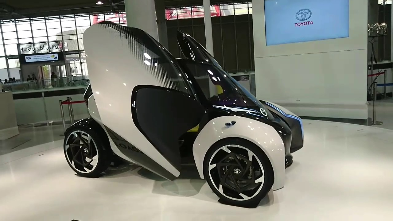 JAPANESE TECHNOLOGY CARS AT TOYOTA CITY SHOWCASE TOKYO