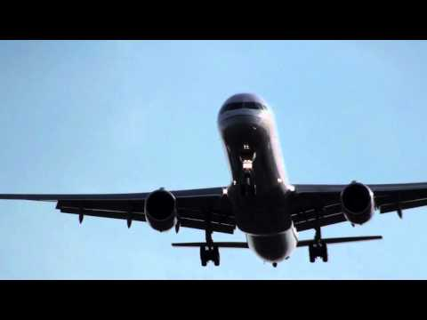 757 Loud Landing With Audible Wingtip Vortex Sounds