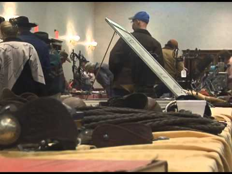Live auction a first at Amarillo Antique Show