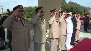 'السيسي' يضع إكليلا من الورد على نصب التذكاري للجندي المجهول.. (فيديو)