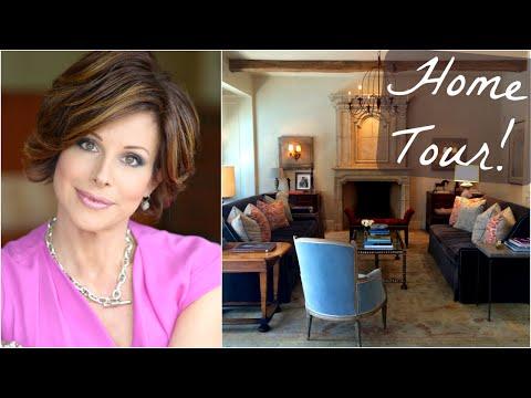 Home Tour & DIY Decorating Tips