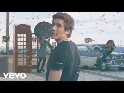 Dvicio - Casi Humanos (Official Video)