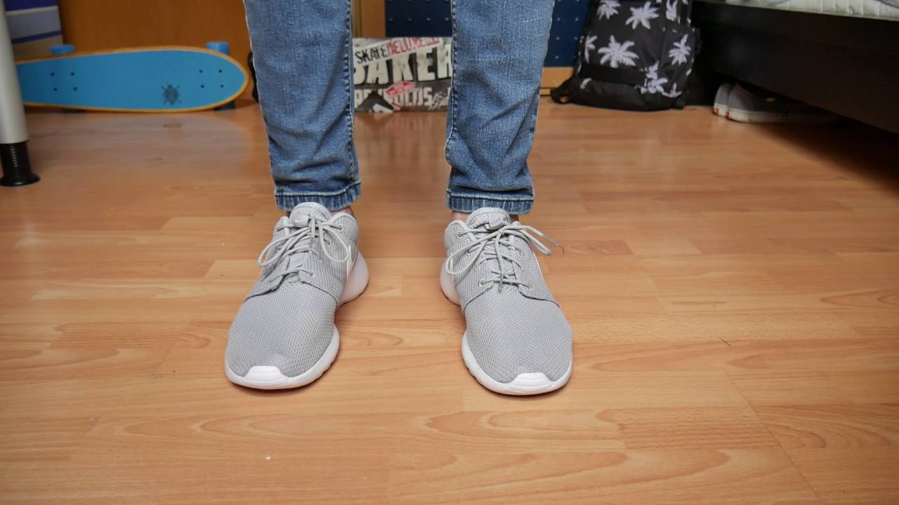 nike roshe one wolf grey white on feet
