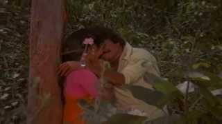 Sindhoora Sandhyayil | Aarodum Parayaruthu | Malayalam Film Song