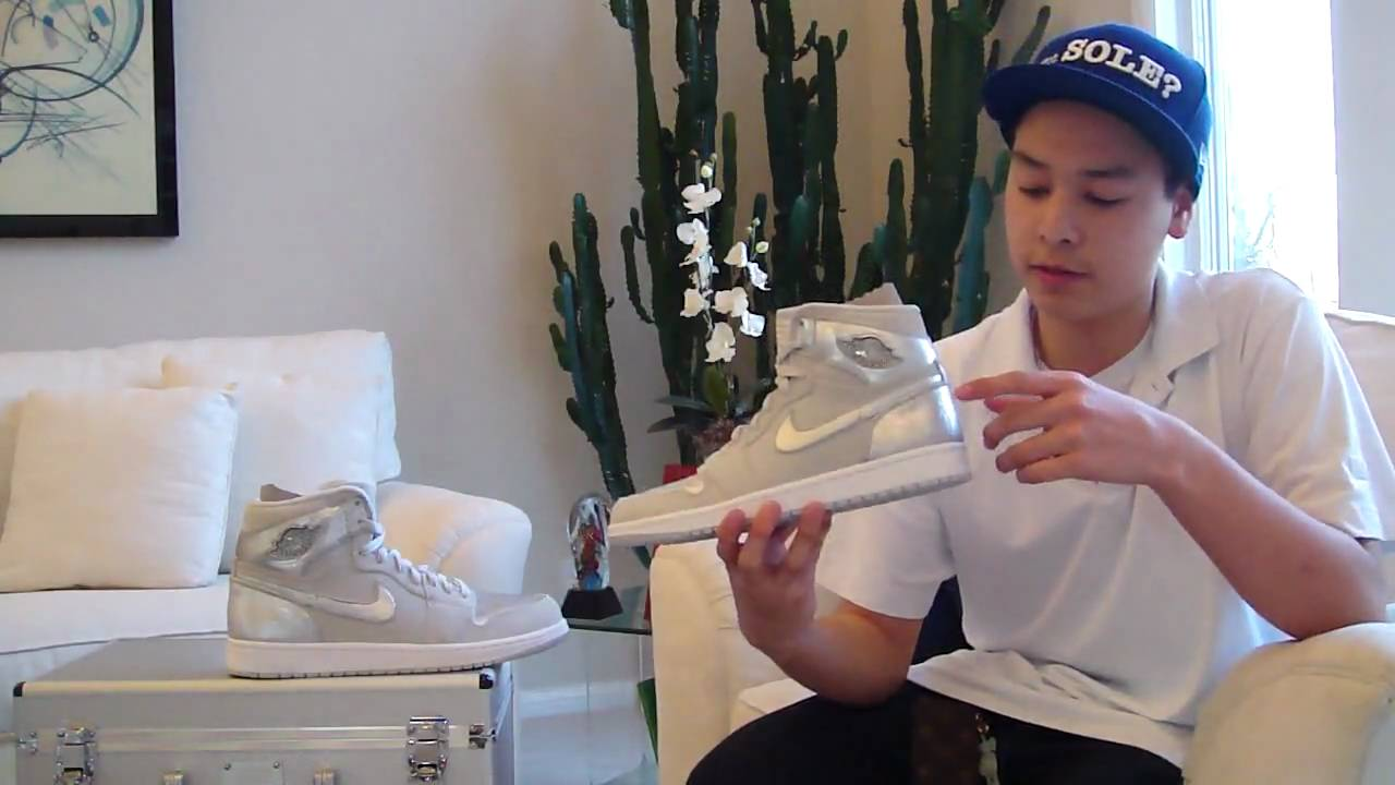 87d110bb66918e Review  Air Jordan 1 - 25th Silver Anniversary (Neutral Grey   Metallic  Silver) - YouTube