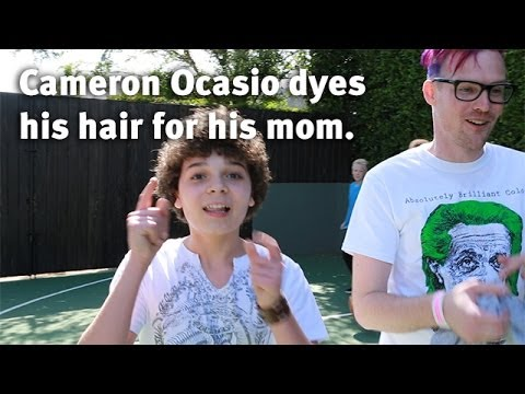 Cameron Ocasio dyes his hair for his mom