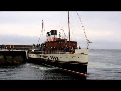 Waverley departing Ardrossan Harbour
