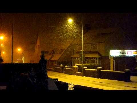 Snowfall - Mold, N. Wales 21 Dec 2010