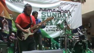 TABIO-Sinanggar Tulo in Ramadhan Sunday Jazz anized by Fari @Plaza Cibubur (Agustus ...