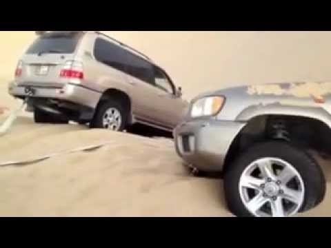 Toyota Land Cruiser 100  Series (V8) Rescues Nissan Pathfinder in the Desert