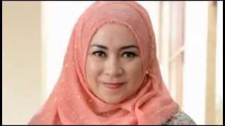 12 Artis Indonesia pindah agama menjelang hari pernikahannYa
