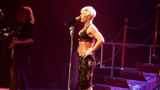 Pink Funhouse Tour Cologne Please Don