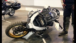 How to PICK UP A FALLEN MOTORCYCLE BMW R1250 GS Rallye  -  4K HD