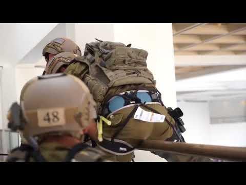 ynet דלתות, סולמות וחבלים  לוט ר וצנחנים מול מחבלים   חדשות