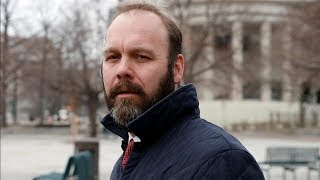 Former Trump Campaign Official Rick Gates Pleads GuiltyIn Russia Probe | Los Angeles Times