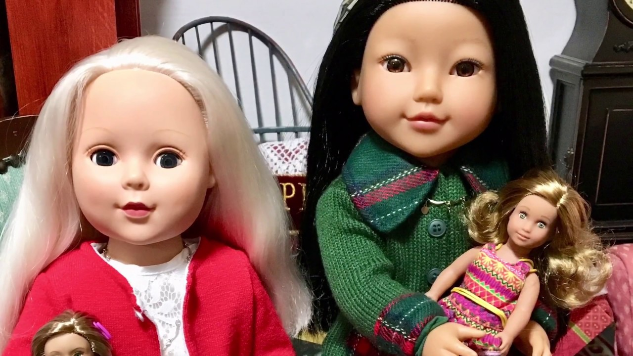 Christmas Gifts at the Doll House! Doll Photography! - YouTube