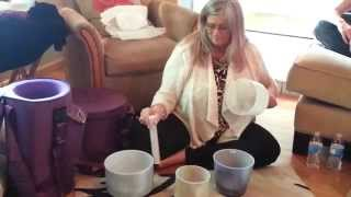 Healing Sounds of the Crystal Bowls. Raise your vibrations in 2 minutes!
