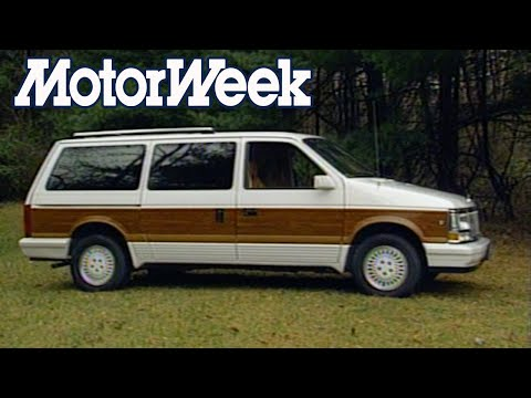 1990 Chrysler Town & Country | Retro Review