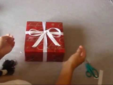 How to Tie a Bow on a Gift - YouTube