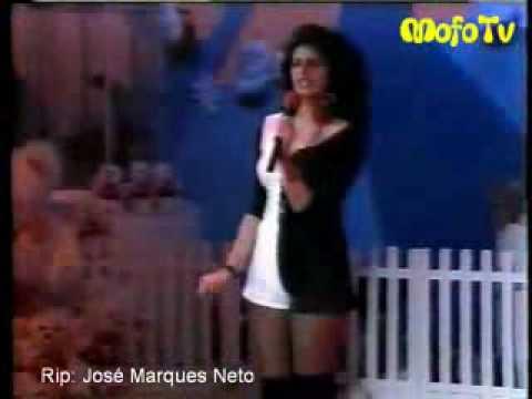 Sonia Lima cantando no TV Animal