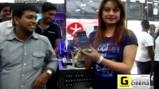 Sonia Agarwal at Blackberry Z10 first sale